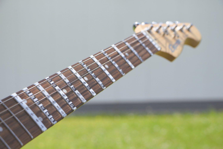 Guitarra Cuello Etiqueta, diapasón decorativo, de S a de D de G de ...