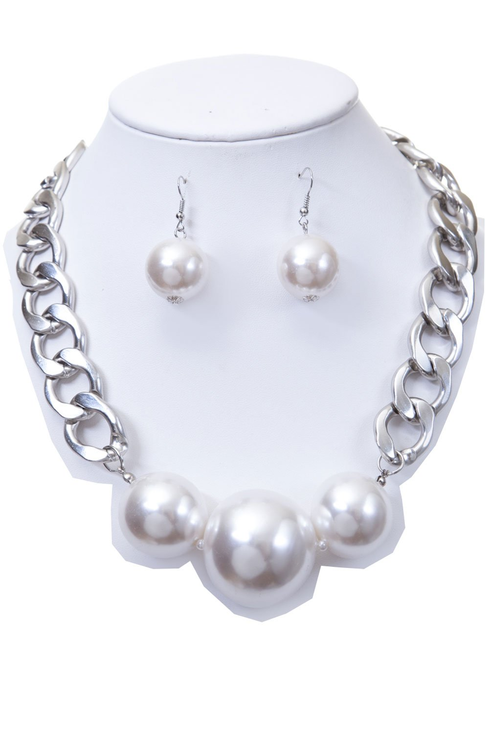 CN0445 - WOMEN'S FASHIONABLE CHAIN NECKLACE WITH BIG PEARLS AND EARRINGS SET - Designed In USA (SILVER WHITE)