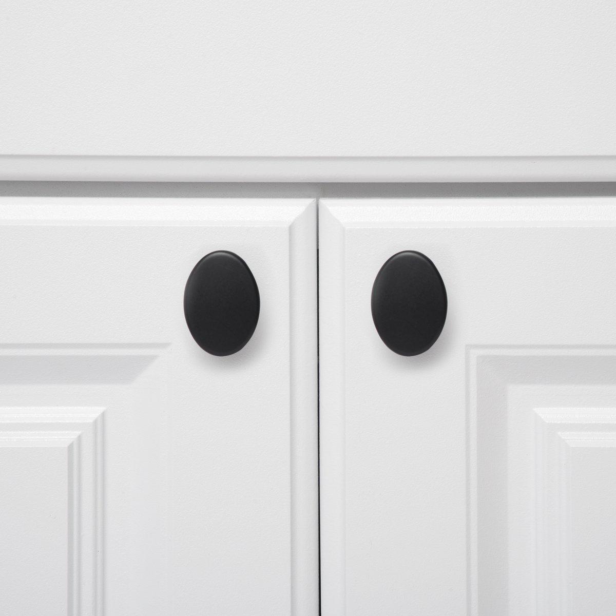 paquete de 25 negro liso Pomo de armario redondo y plano 3,66 cm de di/ámetro Basics