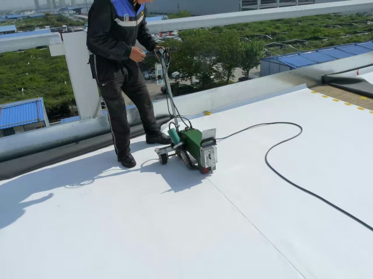 PVC TPO Plastic Roofing Welder Automatic High Power Hot Air Seam Welding Machine