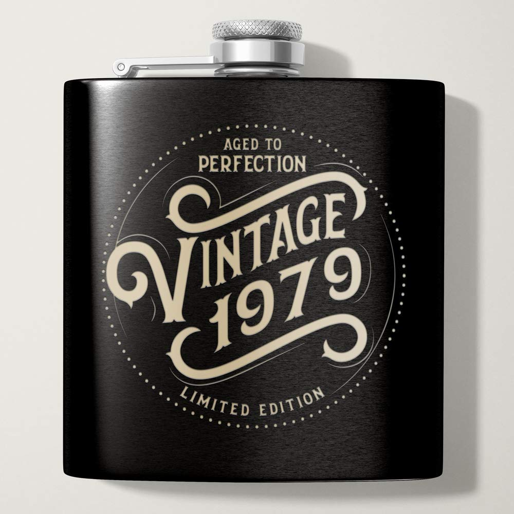 1979 40th Birthday Gifts for Men | Black 6 oz Stainless Hip Flask | 40 Year Old Presents | Dad Husband Brother Uncle Grandpa Boyfriend Friend Present | Party Decorations Supplies Liquor Flasks Gift th