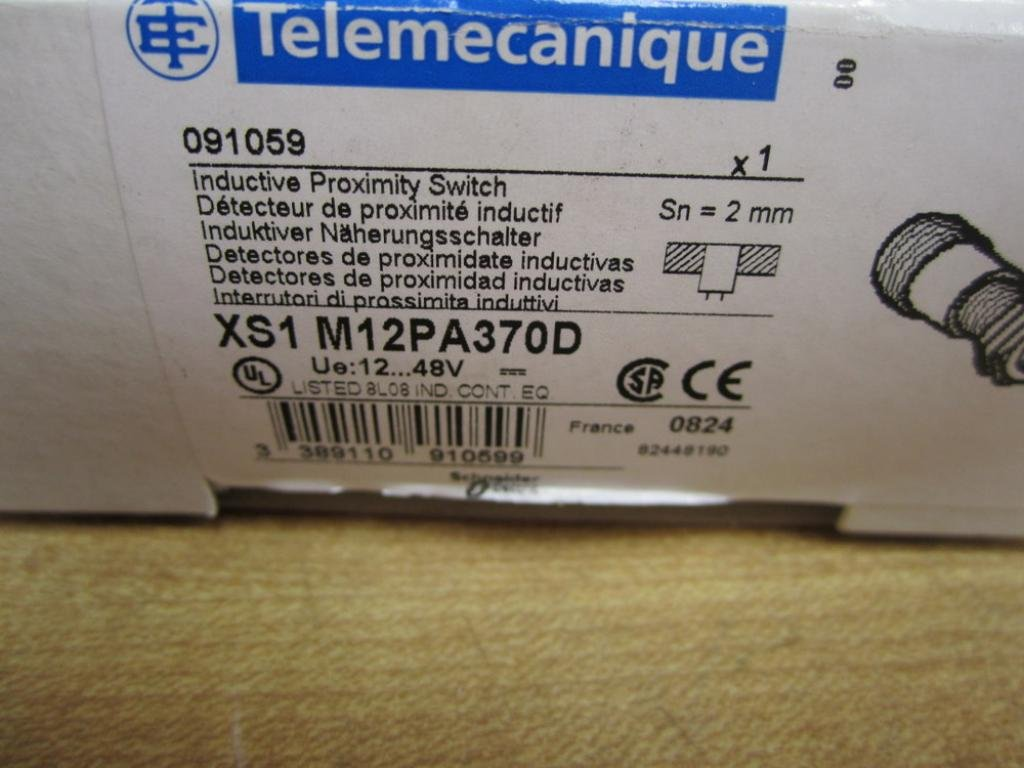 Telemecanique XS1M12PA370D NSFP **GENUINE**: Amazon.com: Industrial & Scientific