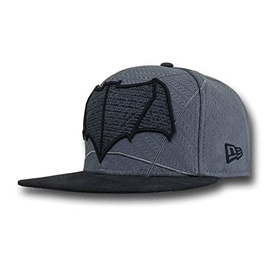 3225676e427 Batman Vs Superman Bat Symbol 5950 Hat at Amazon Men s Clothing store