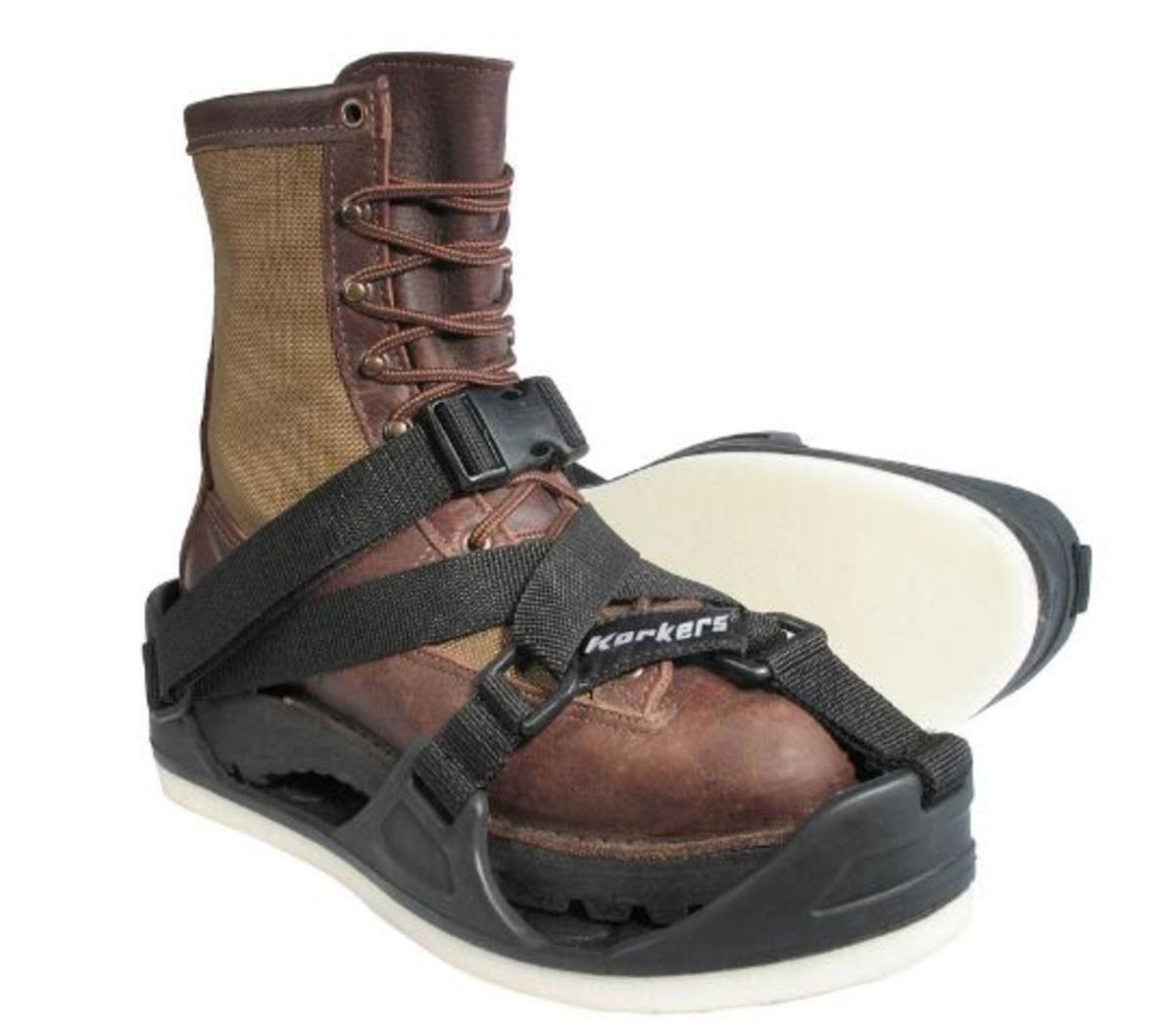 Korkers Unisex TuffTrax 3-In-1 Overshoe Sandal, Black, M