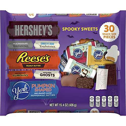 Hershey Halloween Snack Size Spooky Sweets Assortment, 30 - Halloween Snacks Themed