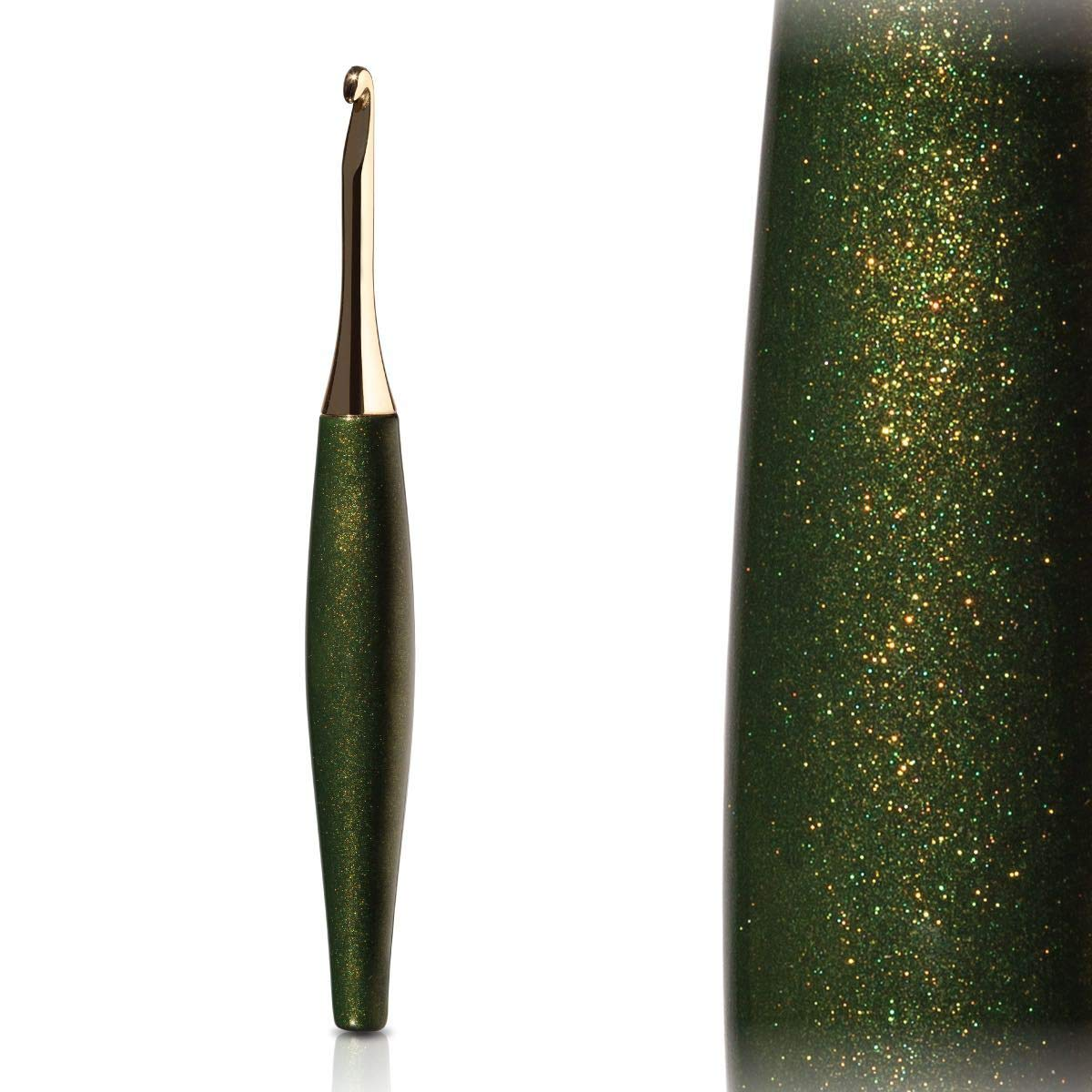 FURLS Odyssey Forest and Gold Crochet Hook 6'' (5.00 mm (H))