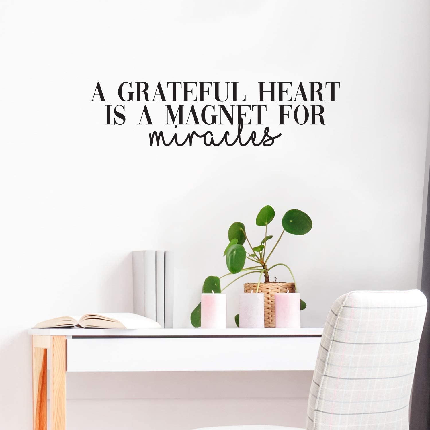 """Vinyl Wall Art Decal - A Grateful Heart is A Magnet for Miracles - 8"""" x 24"""" - Modern Cursive Inspirational Life Quote for Home Bedroom Living Room Office School Classroom Decoration Sticker"""