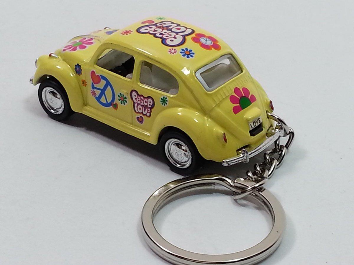 Amazon.com: Kinsmart amarillo Classic Love & Peace VW ...