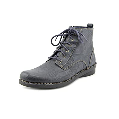 Amazon.com | Clarks Women's Nikki North Lace Up Casual Ankle Boot ...