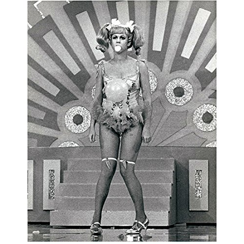 Vicki Lawrence (8 inch by 10 inch) PHOTOGRAPH The Carol Burnett Show Mama's Family Vicki! B&W Pic Full Body Balloon Attached to Costume (Burnetts Costume)