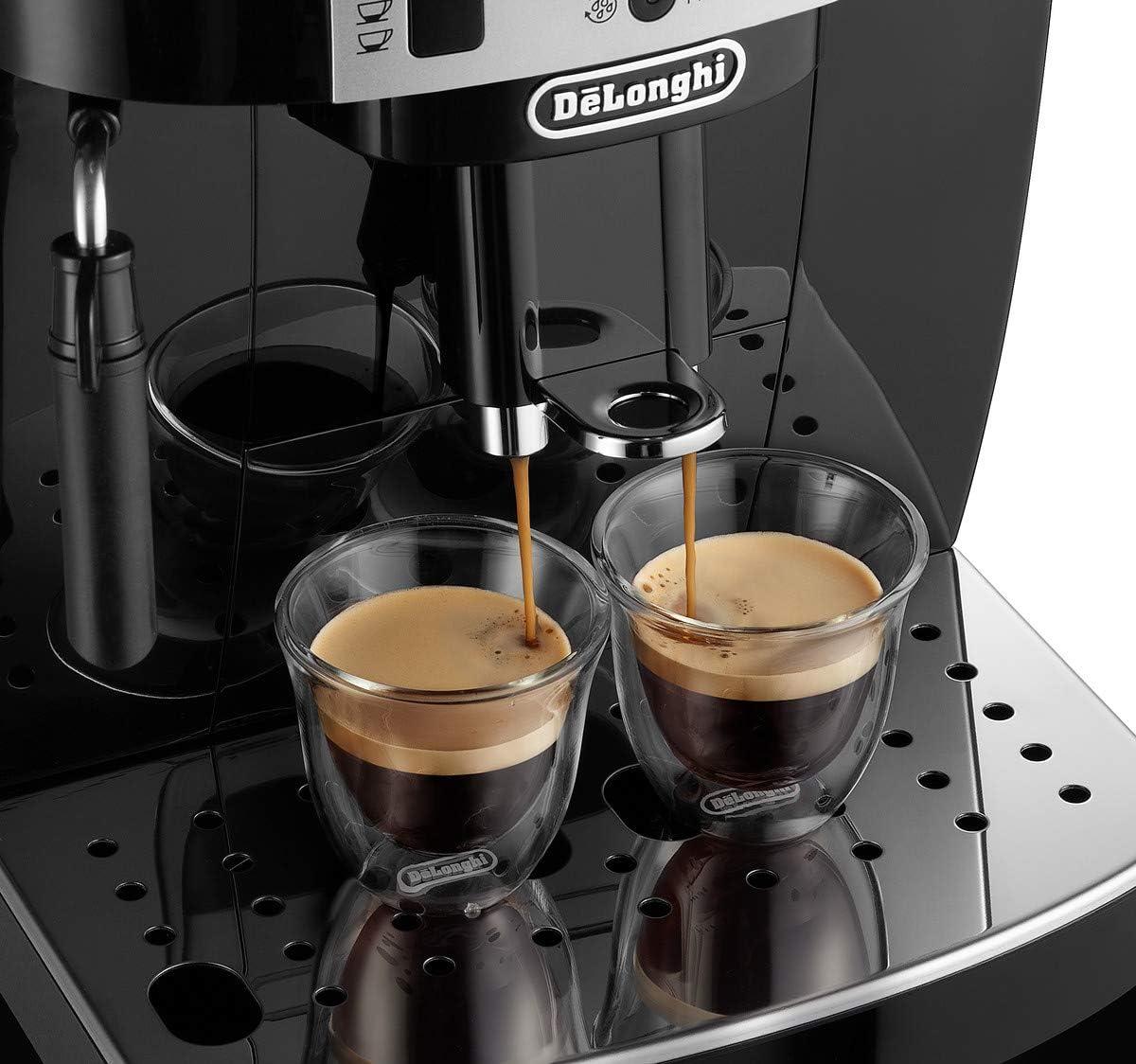 Espresso vom De'Longhi Magnifica Kaffeevollautomaten