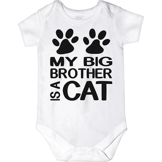 Amazon.com: carefreetees My Big Brother es un perro o gato ...