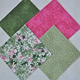"""Daisy Delight 4"""" Fabric Squares Charm Pack 100% cotton, 40 pieces"""