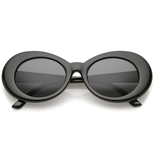 7dc90e6c03 Amazon.com  zeroUV - Bold Retro Oval Mod Thick Frame Sunglasses Clout  Goggles with Round Lens 51mm (Black Smoke)  Clothing