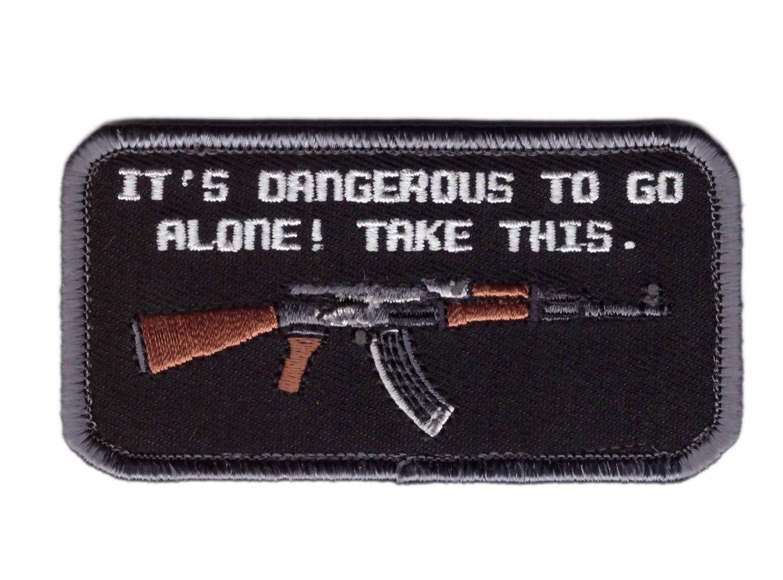 Tactical Dangerous To Go Alone Parche Bordado T/áctico Titan One Europe