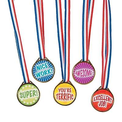 "Award Medals Assortment ~ 50 Plastic 1.5"" Medals on 16"" Patriotic Ribbons ~ New: Toys & Games"