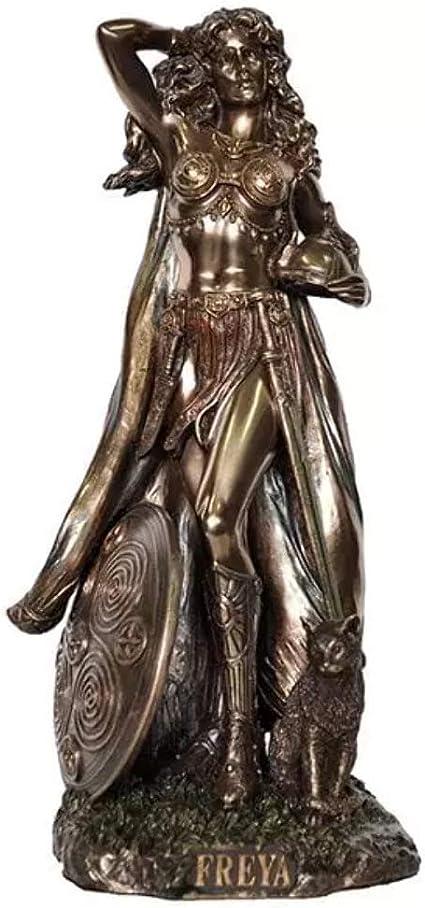Estatua De La Diosa Nórdica De Freya Del Amor La Belleza Y La Fertilidad Jardín Y Exteriores