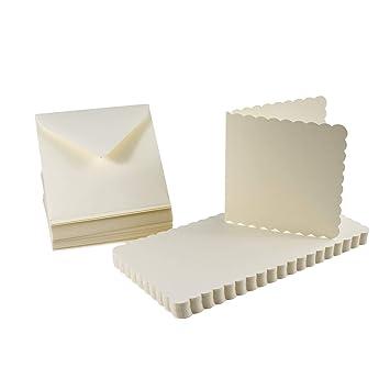 BODA Karten-Set mit 50 Karten mit Bogenrand 12,5 x 12,5 cm und 50 passende Briefumschläge in 13 x 13 cm, Creme, 100-tlg.