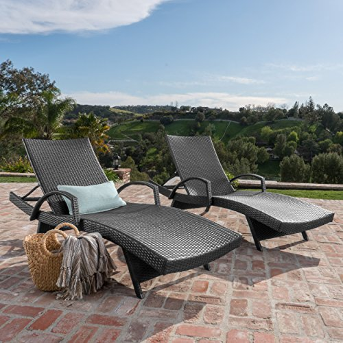 Christopher Knight Home 555 Salem Outdoor Wicker Arm Chaise Lounges Set of 2