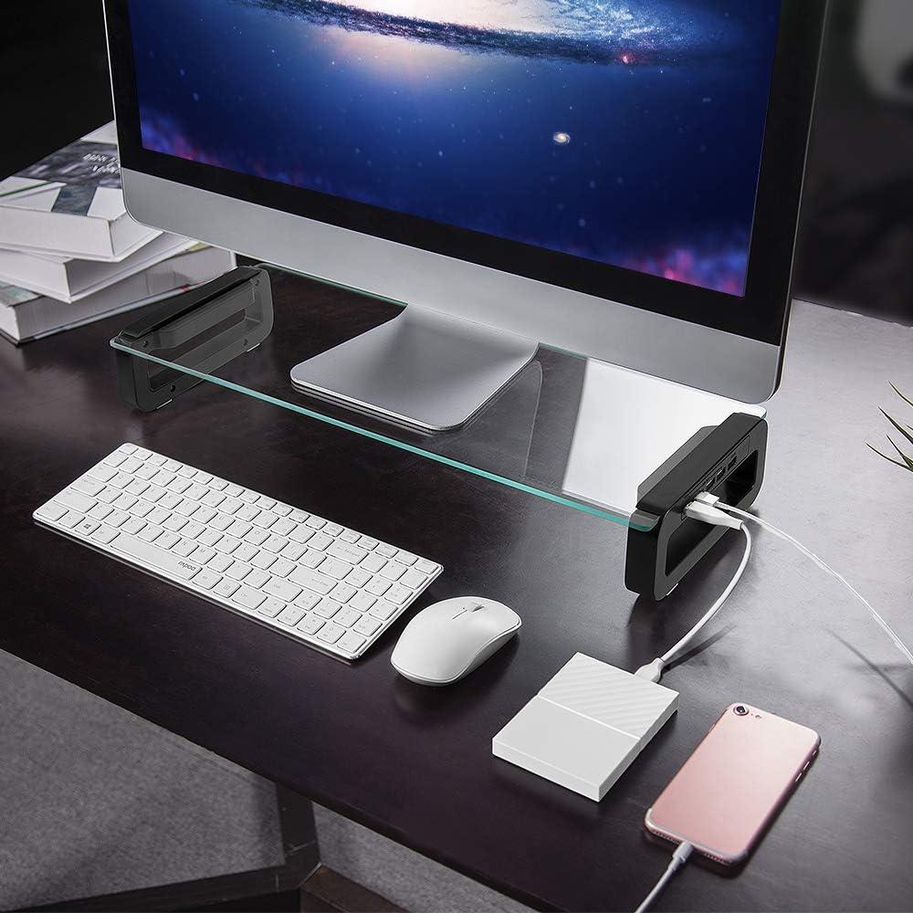 コンセント、USBポート、パソコン台