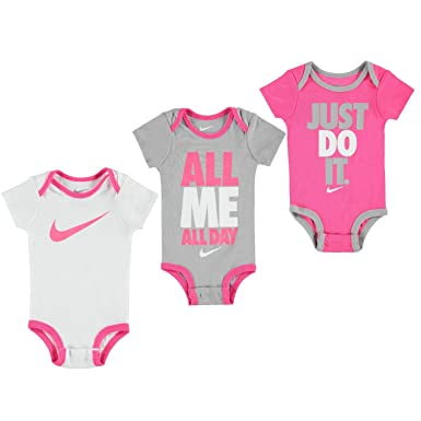 98651f7c0c Nike Swoosh 3 Pack Romper Baby Boys Girls Baby Showers Clothing Gift 0-6  Months: Amazon.co.uk: Clothing