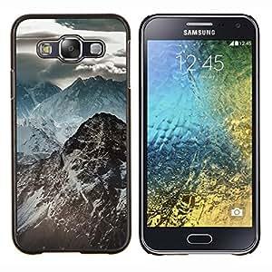 TECHCASE---Cubierta de la caja de protección para la piel dura ** Samsung Galaxy E5 E500 ** --Oscuras Montañas Rocosas