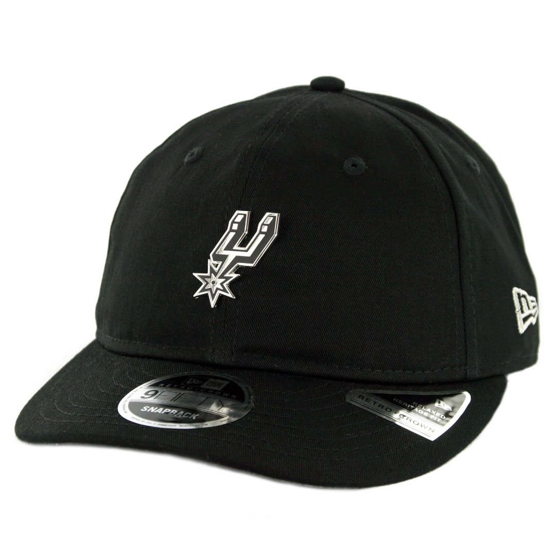 6e5747443b0 Amazon.com   New Era 950 San Antonio Spurs Badged Fan Retro Snapback Hat  (Black) Men s Cap   Sports   Outdoors