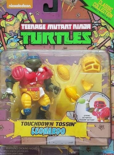 Teenage Mutant Ninja Turtles, Classic Collection, Touchdown Tossin Leonardo Action Figue, 4 Inches