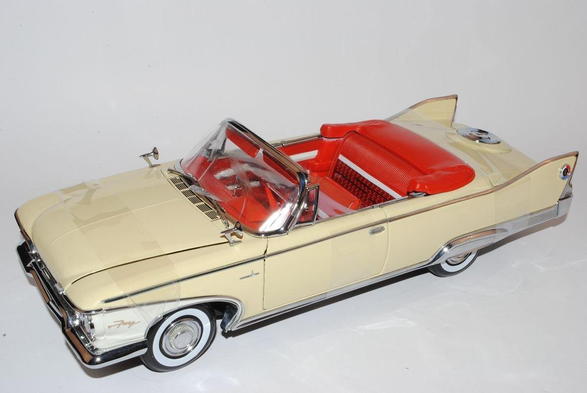 Sun Star Plymouth Fury Open Cabrio 1960 Beige 1/18 Modell Auto