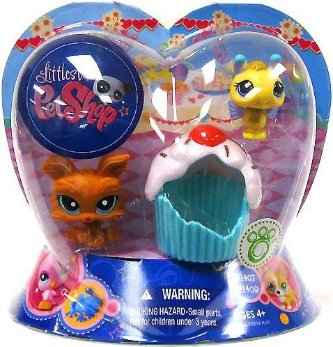 Littlest Pet Shop Exclusive Valentines Day 2Pack Bumblebee & Dog with (Littlest Pet Shop Cupcakes)