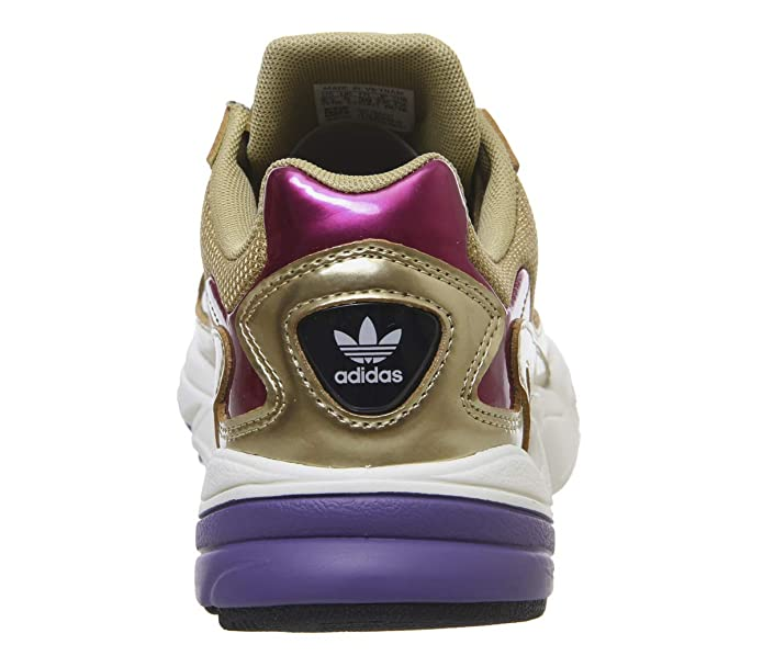 outlet store 8ed99 0a6c5 Amazon.com  adidas Shoes Woman Low Sneakers CG6247 Falcon W Size 40 Gold   Fashion Sneakers