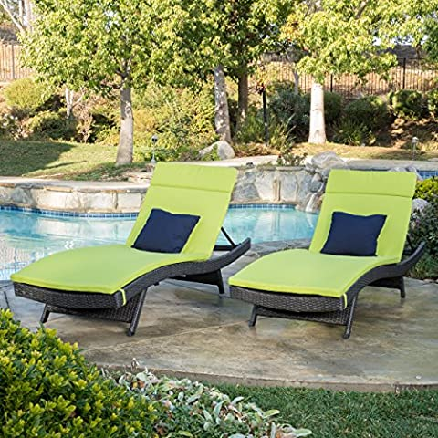Olivia Outdoor Grey Wicker Adjustable Chaise Lounge with Green Cushion (Set of 2)