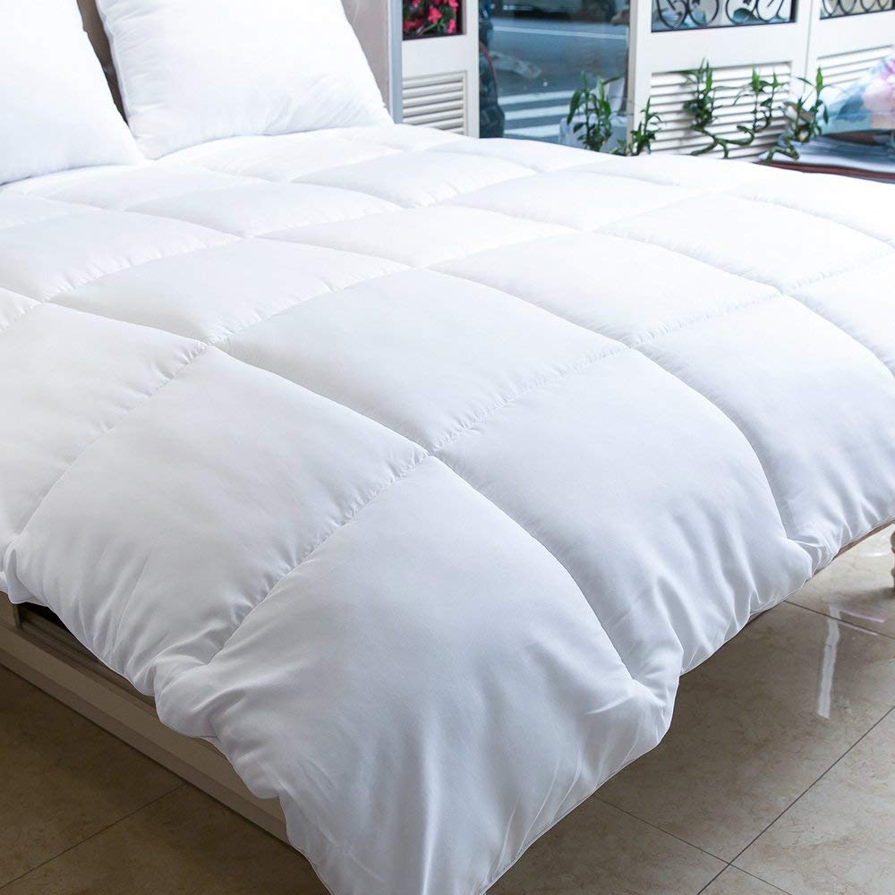 MANZOO Twin Comforter Duvet Insert White Hypoallergenic Plush Siliconized Fiberfill Quilted Comforter with Corner Tabs Machine Washable Box Stitched Down Alternative Comforter
