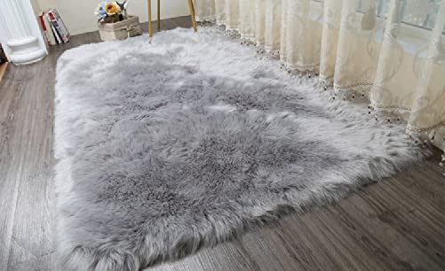 Cuteshower Serene Super Soft Faux Fur Rug Kids Carpet with Fluffy Thick Used As an Area Rugs in Bedroom 5ft x 5.6ft, Gray