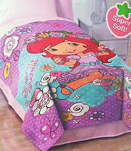 Strawberry Shortcake Simply Sweet Blanket -