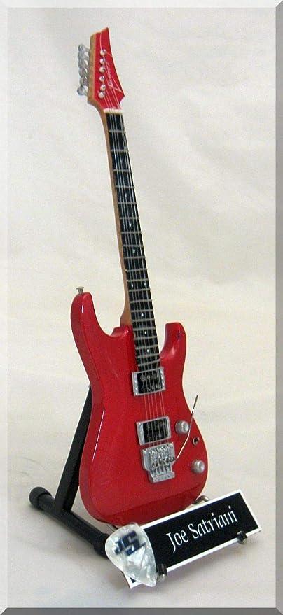 Guitarra en miniatura JOE SATRIANI Ibanez rojo: Amazon.es ...