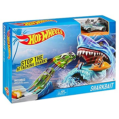 Hot Wheels Sharkbait Play Set: Toys & Games