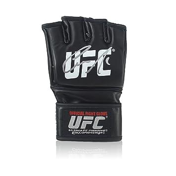 Guante de UFC firmado por Conor McGregor: Amazon.es: Deportes y aire libre