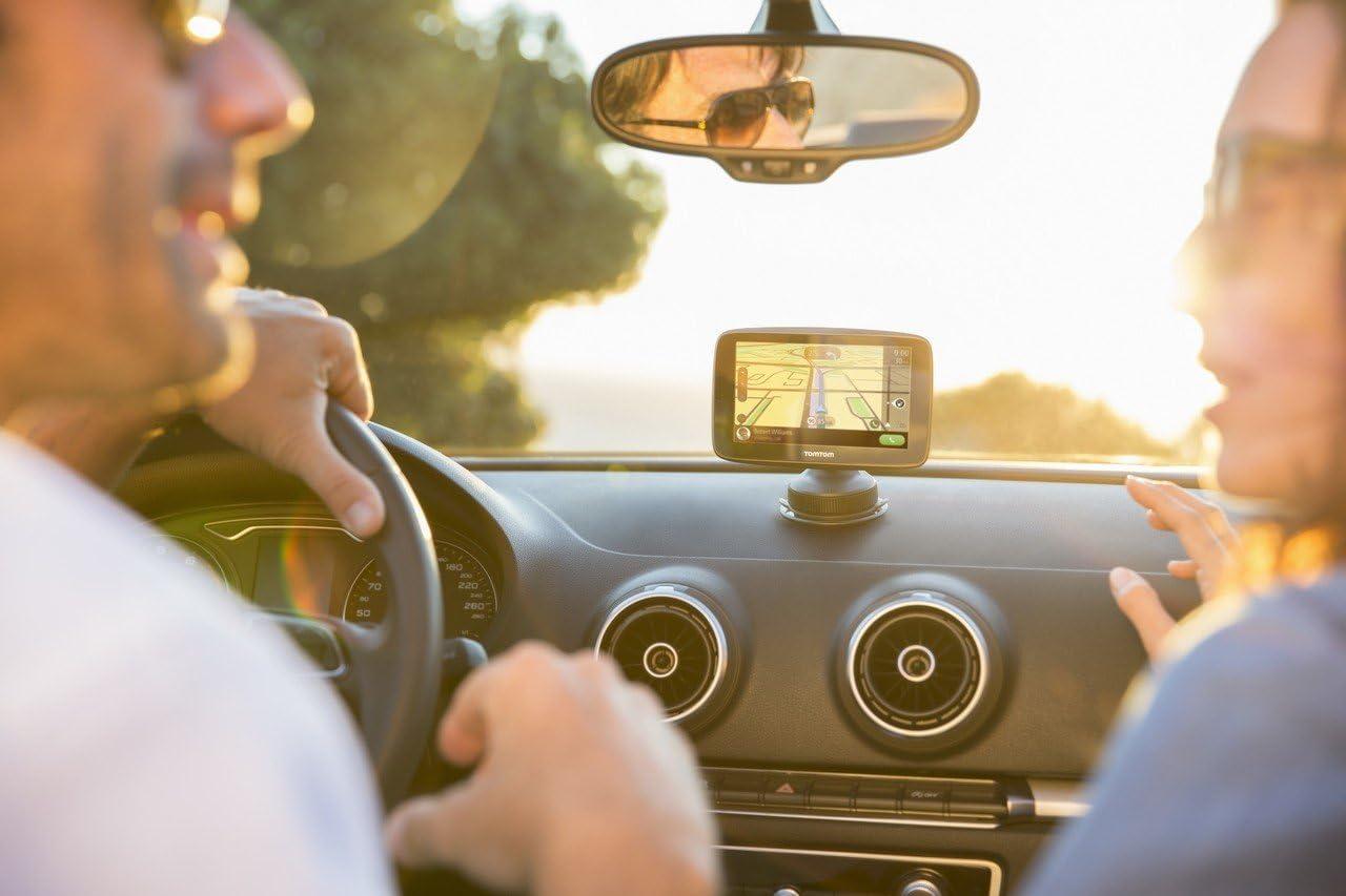 TomTom GO 6200 4PL60 World , version importada Francia Navegador GPS 6 pantalla tactil, flash, bater?a, encendedor de cigarrillos, USB, interno