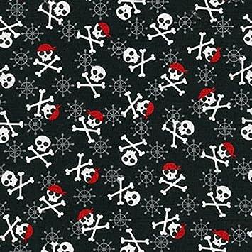 100/% Cotton Patchwork Fabric Halloween Black /& White Skull /& Crossbones