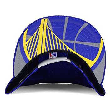 1e4a0eb9011 Amazon.com   Golden State Warriors New Era 9FIFTY On Court Adjustable Snapback  Cap   Hat   Sports   Outdoors