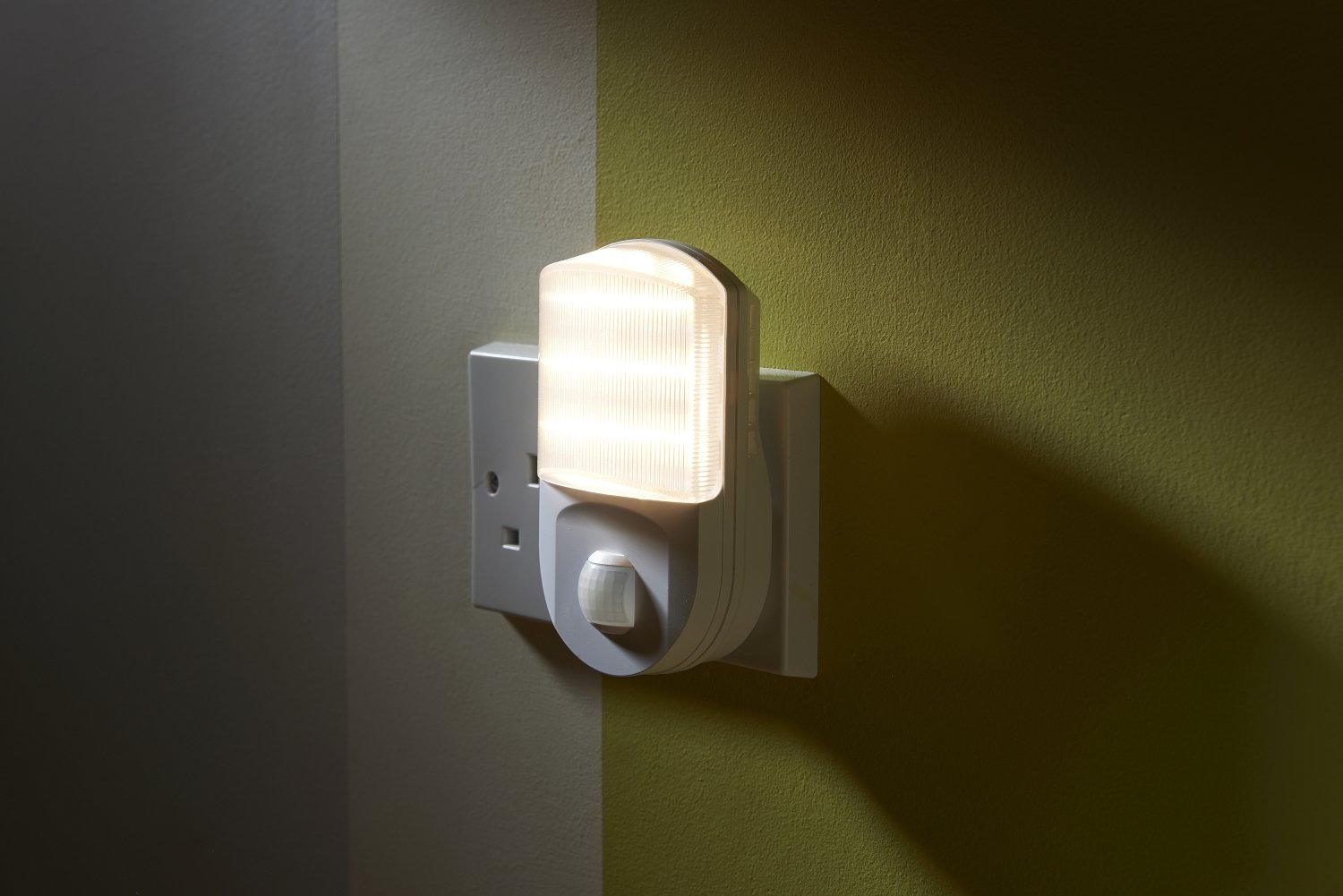 Auraglow super bright plug in pir motion sensor hallway living aid auraglow super bright plug in pir motion sensor hallway living aid safety led night light amazon lighting mozeypictures Choice Image