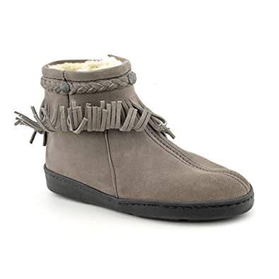 5f60ca72245ec Amazon.com   Minnetonka Women's Fringe Ankle Boot   Ankle & Bootie
