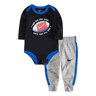 e1f8f0031e1c1 Amazon.com  Nike Baby Girls Long Sleeve Bodysuit and Joggers 2-Piece ...