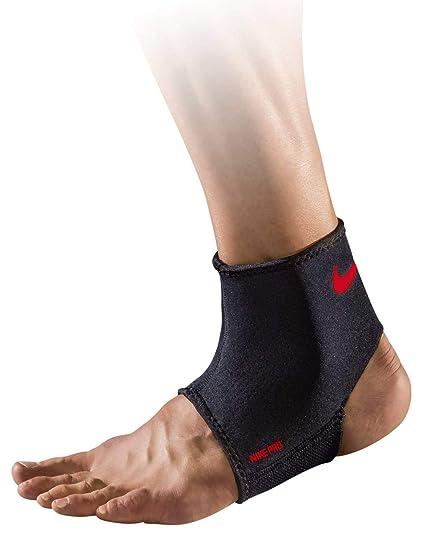 Amazon.com  Nike Pro Ankle Sleeve 2.0  Sports   Outdoors 9ea8e8edf