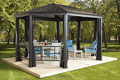 SOJAG KOMODO – 12′ x 18′ with galvanized steel roof, mesh net and decorative fences For Sale