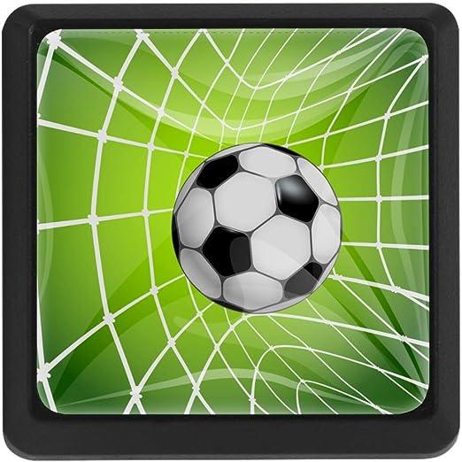 Tirador de balón de fútbol en una red con tirador de cajón de ...