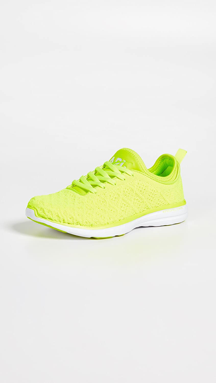 APL: Athletic Propulsion Labs Women's Techloom 8 Phantom Running Shoe B07CSVBLX2 8 Techloom M US Energy/White 24726f
