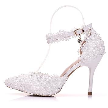 176c8e751e Die weiße Spitze Blumen geschlitzt-Strap Brautschuhe mit feiner Spitze zu  Hochzeit Schuhe Damen Sandalen