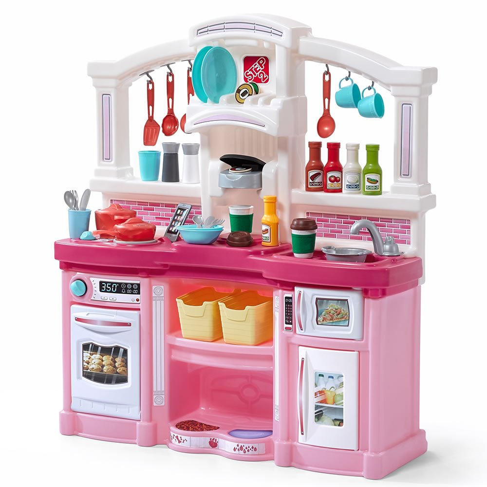 Amazon com step2 488399 fun with friends kids play kitchen large pink toys games